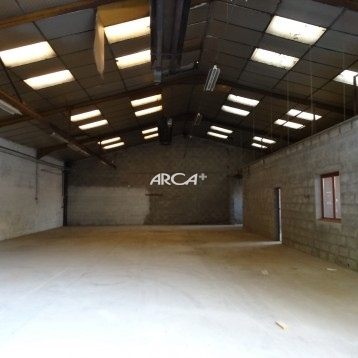 A louer à Brignais un local d'activité de 384 m² environ au RDC