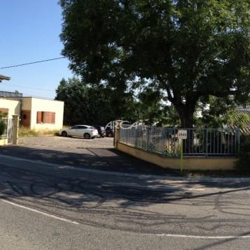 A vendre local d'activité avec bureau de 1 046 m² dans la zone des Platières