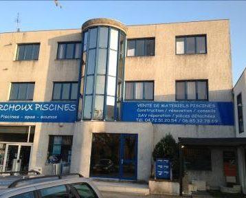 Bureaux cloisonnés à Sérézin Du Rhône