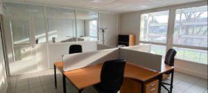 Récents bureaux aménagés et cloisonnés à vendre