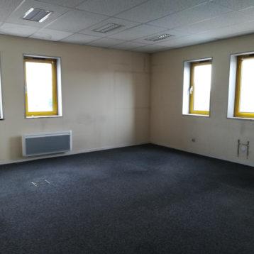 142 m² bureau st genis