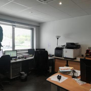 265 m² d'activité vourles